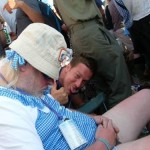 'Dorothy' falls asleep during CS&N on the Pyramid stage. Random punter takes the mickey.